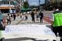 교육삼락회원들 '횡단보도 우측통행' 계도활동 펼쳐